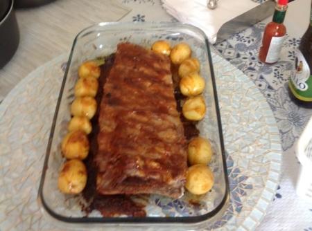 costelinha-de-porco-ao-molho-barbecue-com-batatas-pirulito-f8-14253