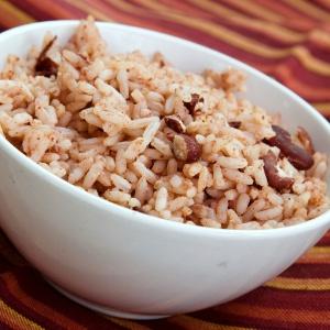 arroz-com-feijao-morros-y-cristianos-getty-1445275924762_300x300