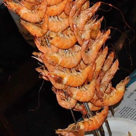 camaroes-assados-na-brasa-sao-servidos-a-vontade-nas-mesas-no-festival-do-pescado-e-frutos-do-mar-ceagesp-1447787742685_300x300